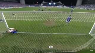 Seedorf faz uma grande assistência e se torna o maior responsável pela vitória botafoguense.
