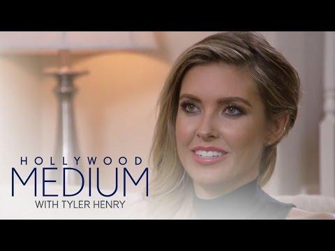 Tyler Henry Shocks Audrina Patridge With Unborn Baby News | Hollywood Medium with Tyler Henry | E! (видео)
