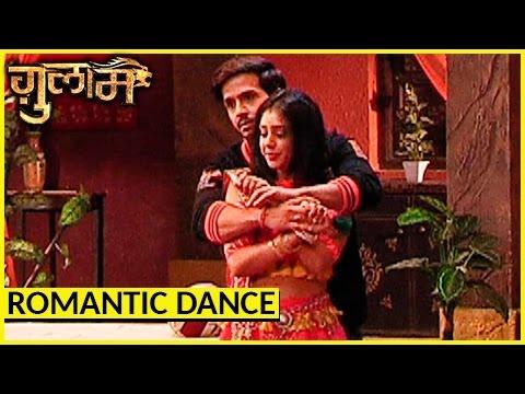 Rangeela And Shivani ROMANTIC Dance | Ghulaam |