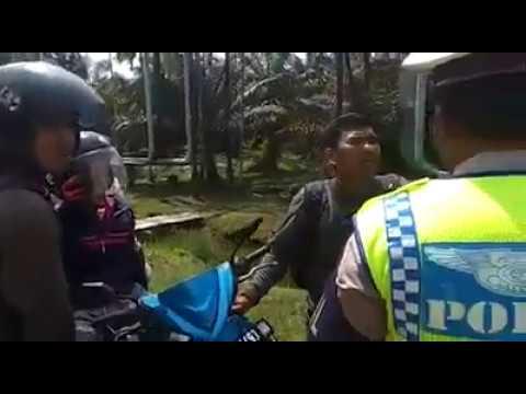 Mayat Dibawa dengan Motor dihentikan Polisi