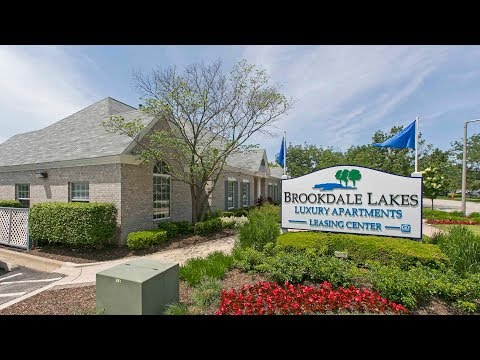 A newly-renovated 2-bedroom, 2-bath in Naperville at Brookdale Lakes apartments