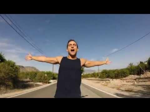 """ElMele – """"Mucho calor"""" [Videoclip]"""