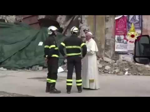 Papa Francesco visita le zone terremotate VIDEO