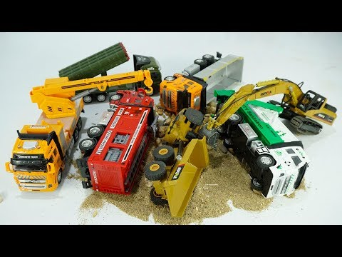 Dump Truck Excavator Working In Construction Encounter Dinosaurs Military Truck Rescue Truck Toys