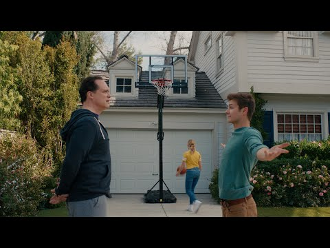 A 3-Pointer Stands Between Taylor and Her Prom - American Housewife