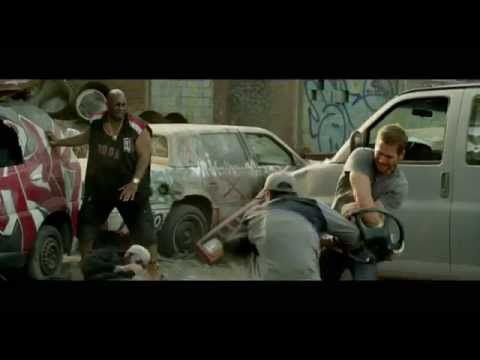 Brick Mansions (Clip 'Handcuffs Fight')