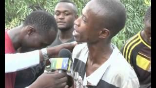 Video Wananchi wakimbilia kuchota mafuta baada ya lori kuanguka Kimara. MP3, 3GP, MP4, WEBM, AVI, FLV Agustus 2019