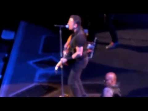 Bruce Springsteen - High Hopes live Nashville April 17, 2014 (TheDailyVinyl official video)
