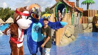 La belleza y amabilidad de los entornos de Bahia Principe invita a unas vacaciones familiares completas. Nuestras instalaciones y programas de ocio facilitan ...