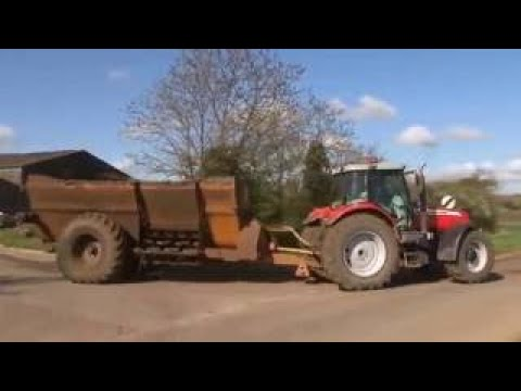 Video Muck Spreading from Out and About on the Farm Mighty Machines! download in MP3, 3GP, MP4, WEBM, AVI, FLV January 2017