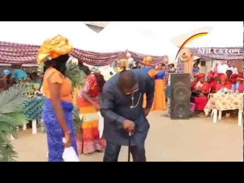 Kingsley Beats wife and Duncan Mighty In Waist Dance