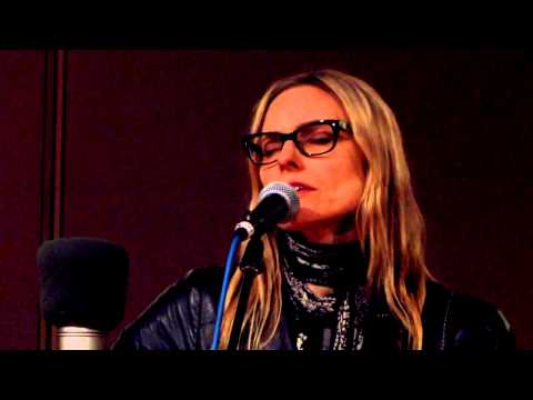 Aimee Mann - Labrador (Live on Sound Opinions)