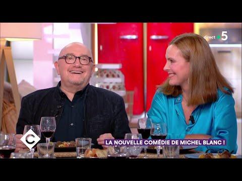 Video Au dîner avec Carole Bouquet, Karin Viard et Michel Blanc - C à Vous - 08/10/20108 download in MP3, 3GP, MP4, WEBM, AVI, FLV January 2017