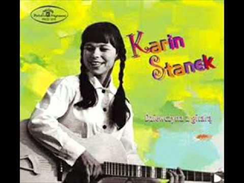 Tekst piosenki Karin Stanek - Chłopiec z Gitarą po polsku