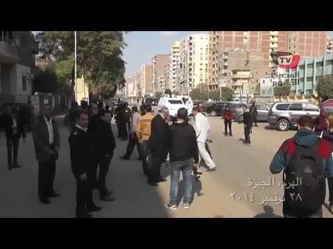 مظاهرات ٢٨ نوفمبر: مواطن يحيى قوات الأمن بشارع الهرم وينتقد المتظاهرين «جبناء»