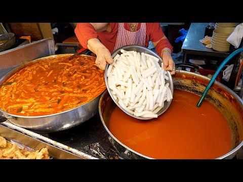 분식으로 유명한 동문시장 서울떡볶이 / Popular snacks in the Korean market - Korean street food