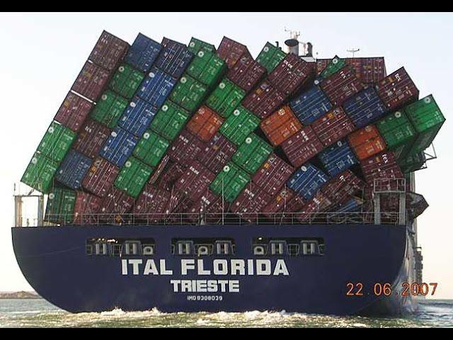 V roce 2017 Vám přejeme, aby Vaše lodě vždy dorazily do přístavu bezpečně a včas!