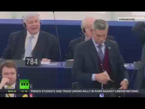 Was sonst noch passierte: Grieche fliegt aus EU-Parlament, weil er die Wahrheit sagt