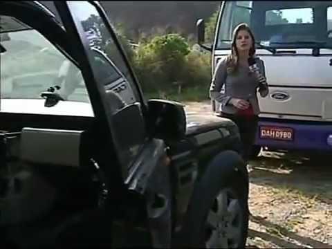 Rastreador ajuda polícia a encontrar desmanche de carros em Jundia, SP