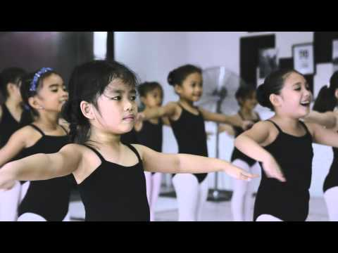 Kit Kat Dance