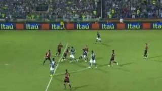 Palmeiras sai atrás por 2 gols e vai em busca do resultado no segundo tempo com grande partida de Ortigoza. Com esse resultado o Sport voltou para a Série B e o Palmeiras à liderança.PALMEIRAS 2 X 2 SPORTPALMEIRASMarcos; Figueroa, Danilo, Maurício e Armero; Edmílson (Marquinhos), Souza (Deyvid Sacconi), Sandro Silva (Pierre) e Diego Souza; Ortigoza e ObinaTécnico: Muricy RamalhoSPORTMagrão; Igor, César e Durval; Élder Granja, Zé Antônio (Freire), Adriano Pimenta, Moacir e Dutra; Wilson (Madson) e Arce (Israel)Técnico: Levi Gomes (interino)Data: 11/11/2009 (quarta-feira)Local: estádio Parque Antarctica, em São Paulo (SP)Árbitro: Elmo Alves Resende Cunha (Fifa-GO)Auxiliares: Fabrício Vilarinho da Silva (GO) e João Patrício de Araújo (GO)Público: 17.133 torcedoresRenda: R$ 714.886,24Cartões amarelos: Souza, Pierre, Edmílson (PAL); Zé Antônio, Moacir, Wilson, Durval 2, Magrão (SPO)Cartão vermelho: DurvalGols: Arce, aos 11min, Wilson, aos 16min do primeiro tempo; Deyvid Sacconi, aos 26min, Danilo, aos 39min do segundo tempo