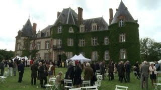 Les Chapelles-Bourbon France  city photos : Dans l'Allier, la famille princière des Bourbons réunie