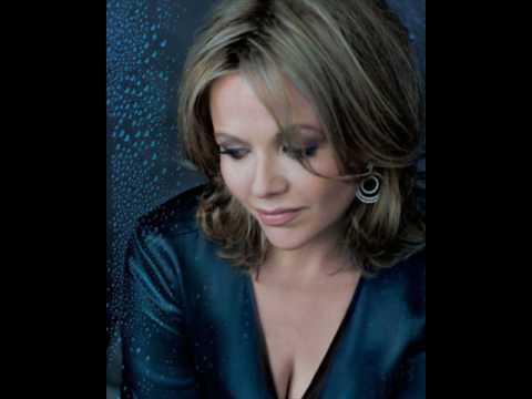 Renee Fleming Sings je veux vivre