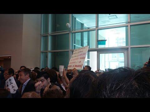 Escándalo en Diputados durante el debate de comisión por la reforma previsional: golpes, insultos y vidrios rotos