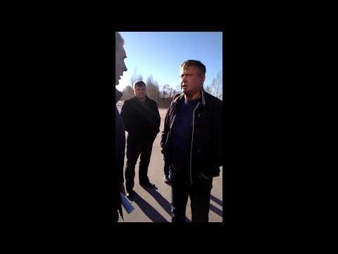«Ты кто такой вообще?»:Депутат-единоросс ударил блогера в Новосибирске