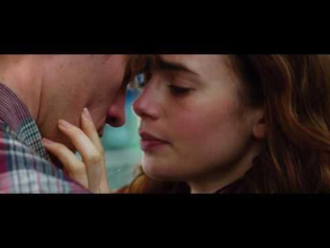Love, Rosie (2014) - Airport scene