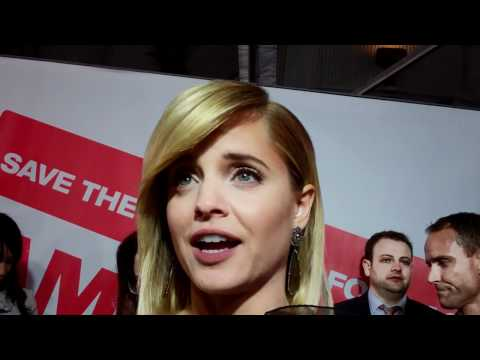 mena subari - Mena Suvari talks to LA Times reporter Amy Kaufman at the premiere of