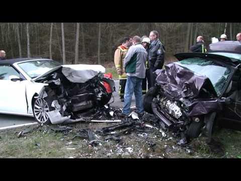 Löhlbach: Cabriofahrer stirbt bei Unfall auf B 253