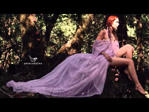 A Goddess Dream (Cinemagraph)