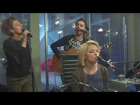 Что то хорошее, Группа «Фрукты», Утекай (Мумий Тролль) + Maniac (Michael Sembello)