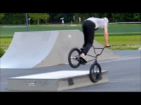BMX – One curb one hour selfie