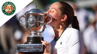 Match of the day #13 - Jelena Ostapenko v Simona Halep Women's Final  Roland-Garros 2017. Let's have a focus on the best moments of the women's final of Roland-Garros 2017 that opposed Jelena Ostapenko and Simona Halep. Jelena Ostapenko won the tournament 4/6 - 6/4 - 6/3.Visit Roland Garros' official website: http://rg.fr/RGwebSubscribe to our channel: http://rg.fr/ytrginFollow us!Facebook: http://rg.fr/FBRolGaTwitter: http://rg.fr/TwrolgInstagram: http://rg.fr/instRGThis is the official YouTube Channel of Roland Garros, home of the French Open. The tournament 2017 will run from 22 May- 11 June.