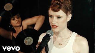 Kiesza - Giant In My Heart - YouTube