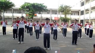 Dân vũ CHICKEN DANCE 12/1 (12-13) - THPT NDC