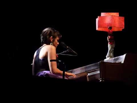 "Norah Jones ""Love Me"" @ Olympia (Paris)"