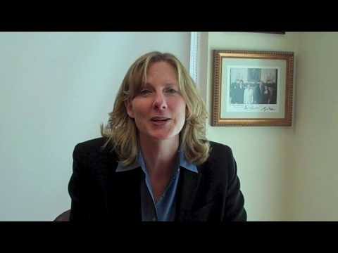 AshInstitute - Yale Law Professor Heather Gerken offers an introduction to her recent seminar at the Ash Institute for Democratic Governance and Innovation, Harvard Kennedy...