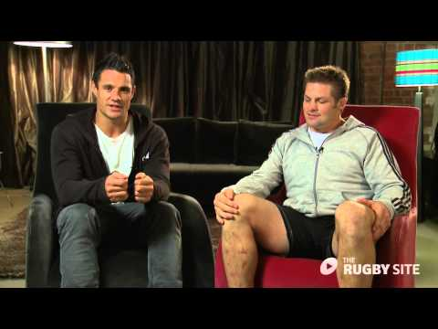 Dan Carter and Richie McCaw honour Jonny Wilkinson