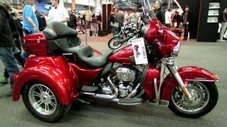 9. 2013 Harley-Davidson Tri Glide Ultra Classic - Walkaround - 2013 Montreal Motorcycle Show