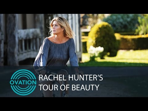 Rachel Hunter Makes Her Own Scent