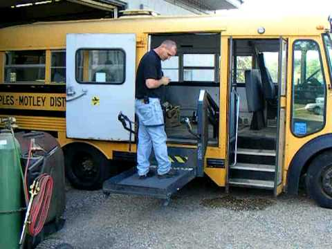 wheelchair lift.AVI