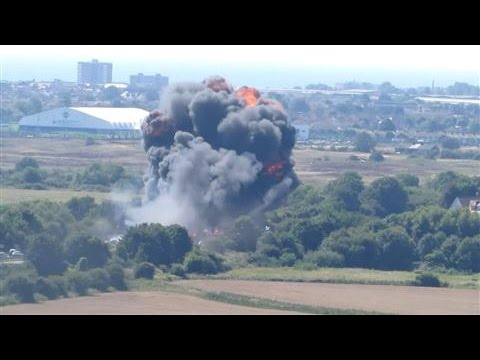 Footage posted online shows the moment a plane crashed onto a busy highway during the annual Shoreham Air Show in England on Saturday.  Photo: YouTube/Daniel Russell