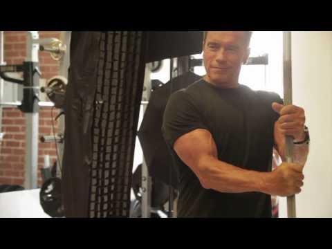 Arnold Schwarzenegger a los 66 años