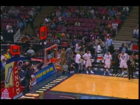 Nate Robinson Shoots In the Wrong Basket