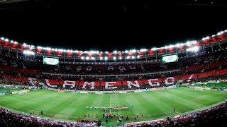 Entrada em campo do Flamengo com o mosaico completo, antes de ser mostrado, até o fim, com o início do jogo.