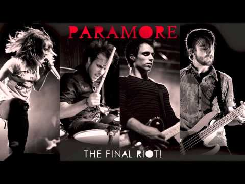 Paramore: Misery Business (LIVE)