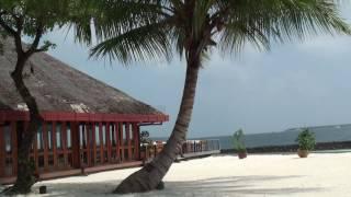 Мальди́вы (мальд. ދިވެހިރާއްޖެ, Dhivehi Raa'je), официальное название Мальди́вская Респу́блика (мальд. ދިވެހިރާއްޖޭގެ ޖުމުހޫރިއްޔާ [divehi raːɟɟeːge ɟumhuːri...